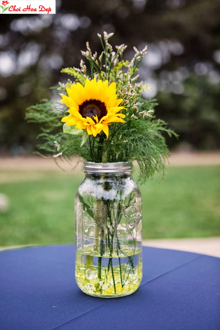 Gợi ý 5 cách cắm hoa hướng dương theo chủ đề