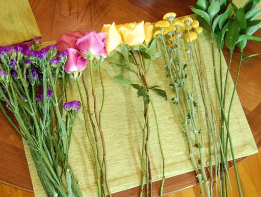 Hướng dẫn hai cách bó hoa cưới cô dâu đẹp rực rỡ