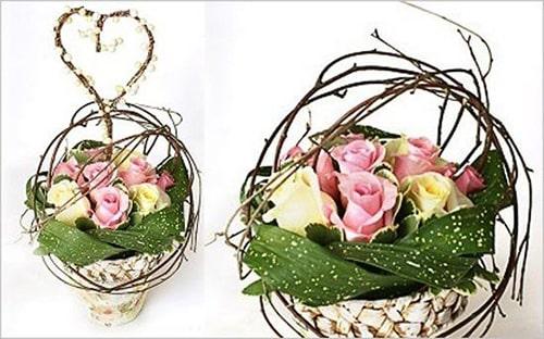 Cách trang trí hoa hồng và cành cây khô cực đẹp 1