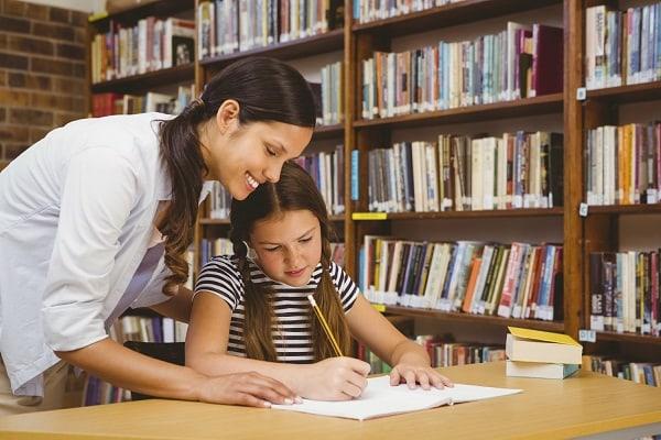 Gia sư dạy Văn là sinh viên cần có khả năng truyền đạt tốt