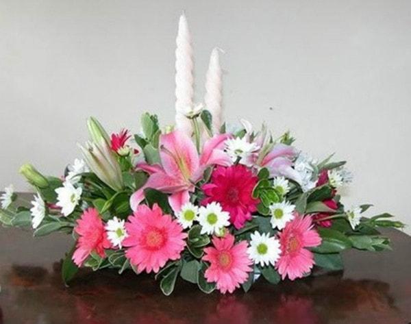 Hình tham khảo cắm hoa kiểu ngang