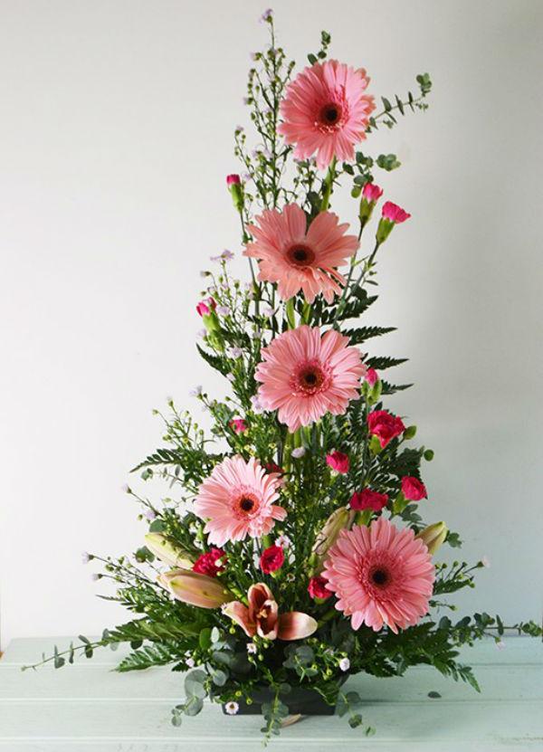 Hình tham khảo kiểu cắm hoa theo chiều dọc