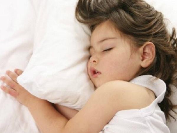 10 mẹo giúp trẻ sơ sinh ngủ ngon giấc hơn