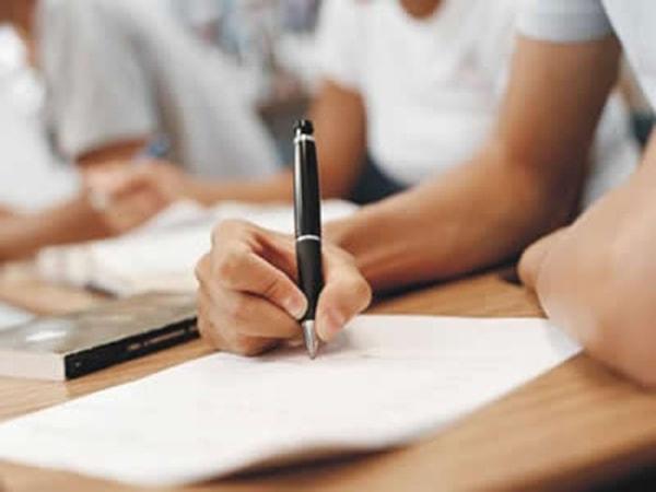 Tập trung làm bài và không bỏ sót câu nào
