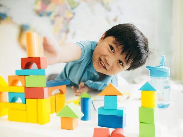 Đối với phương pháp Glenn Doman cần khơi gợi đam mê ở trẻ