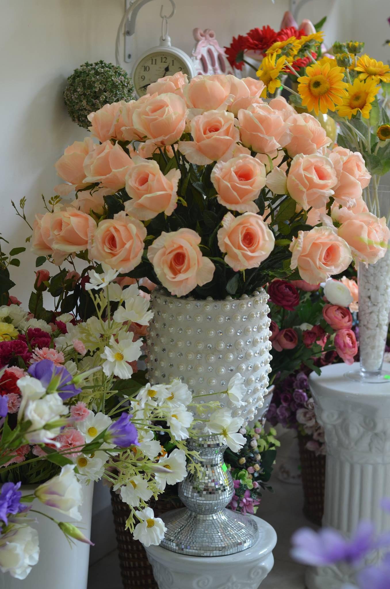 Cắm hoa hồng theo hình vòm