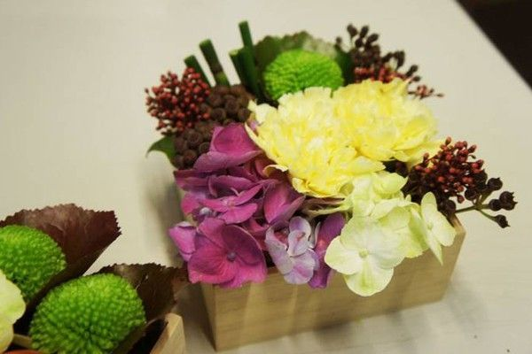 Chậu hoa gỗ vuông, đẹp làm quà tặng 8-3