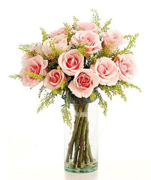 Cách cắm hoa hồng lọ cao để bàn đẹp mê ly 3
