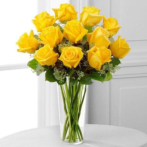 Cách cắm hoa hồng lọ cao để bàn đẹp mê ly 9