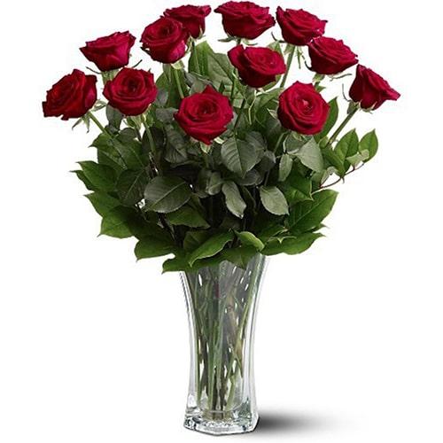 Cách cắm hoa hồng lọ cao để bàn đẹp mê ly 11