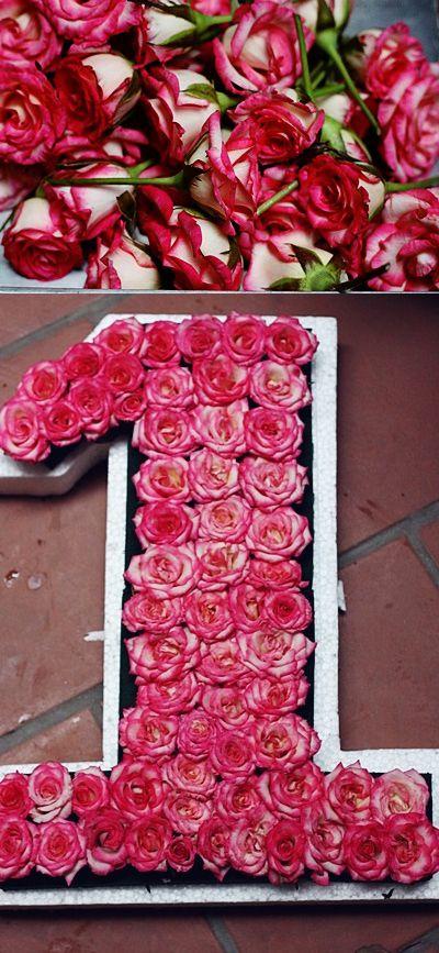 Cắt hoa hồng và cắm lên miếng xốp