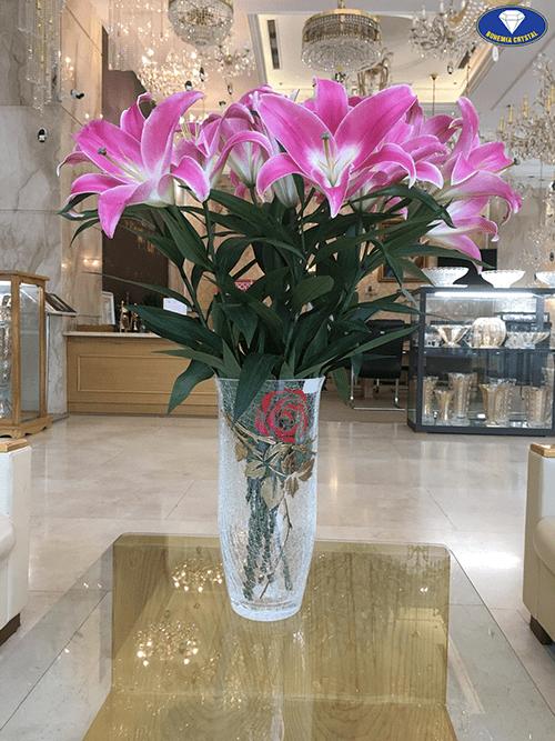 Bình hoa ly đẹp mắt sau khi cắm