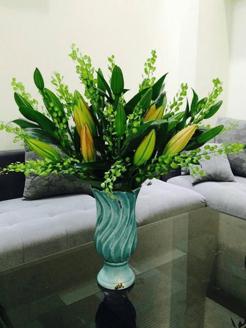 Cách cắm ly kết hợp với các loại hoa khác