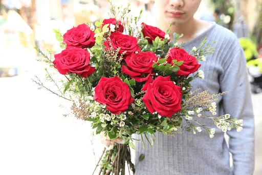 Nam giới cũng cần được tặng hoa
