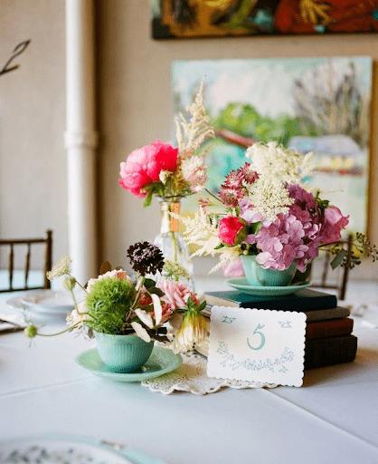 Tách hoa phong cách cổ điển phương Tây