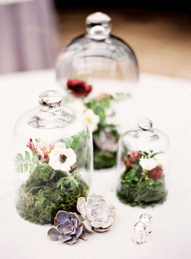 Cắm hoa trong hộp thủy tinh