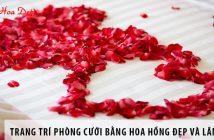 Trang trí phòng cưới bằng hoa hồng đẹp và lãng mạn