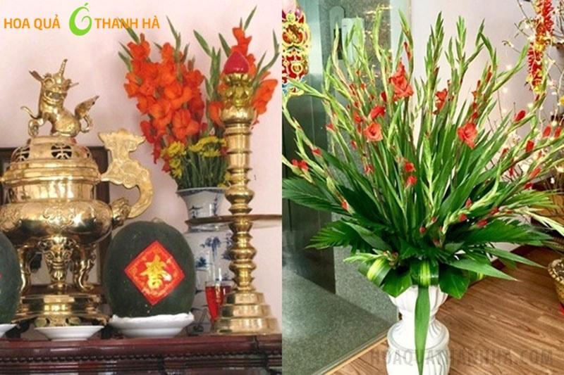 Cắm hoa bàn thờ thể hiện sự tôn kính, giúp ban thờ rực rỡ, sáng sủa hơn